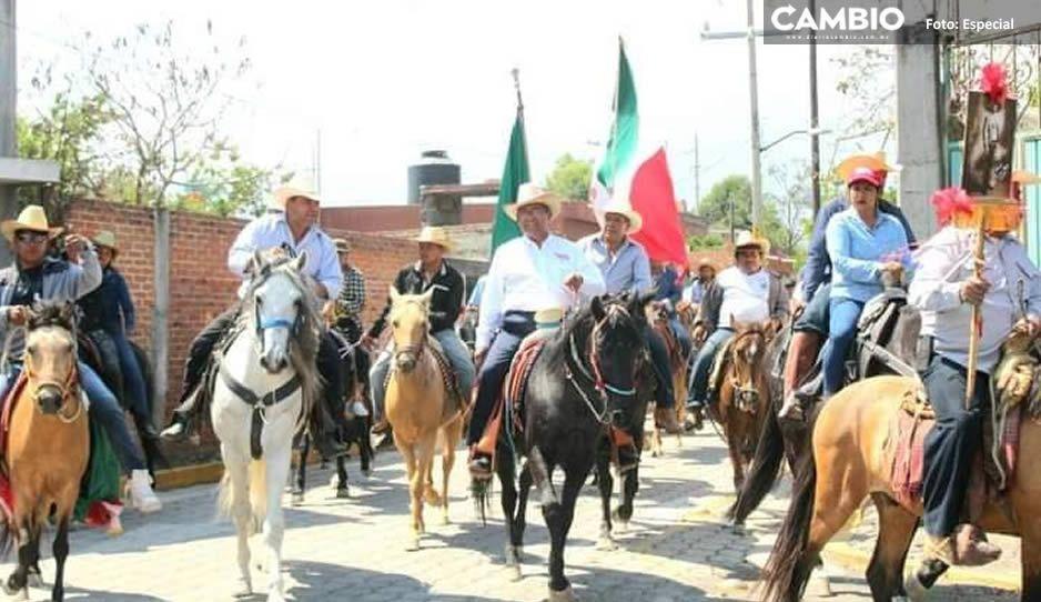 Exhiben a Jiménez Merino por encabezar evento charro masivo en plena pandemia