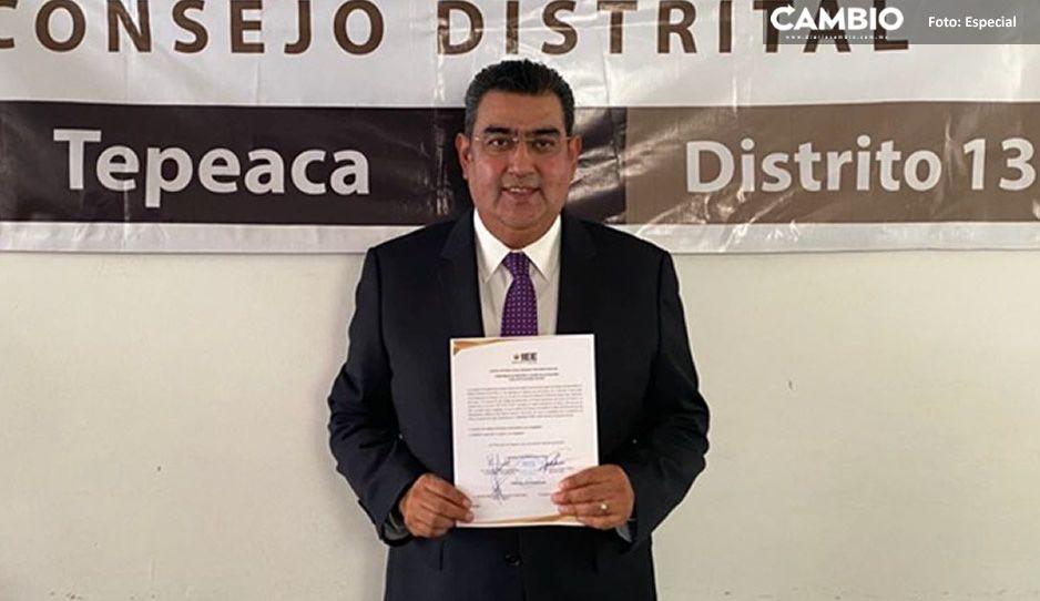 Sergio Salomón recibe constancia de mayoría como diputado local por el distrito 13