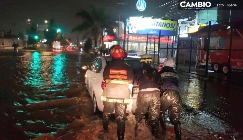 Se inunda 11 sur tras fuerte lluvia; autos se quedan varados (FOTOS)