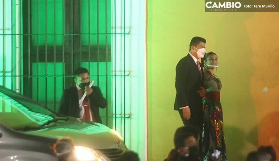 Llega Lalo Rivera a Casa Aguayo para acompañar a Barbosa en su tercer Grito (VIDEO)