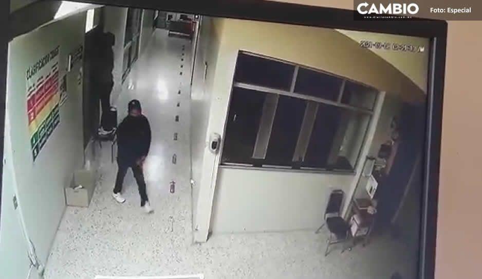 Comando de encapuchados y armados asalta a trabajadores de IMSS Atencingo en la clínica (VIDEO