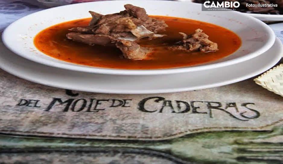 Alertan por venta de mole de caderas fake en Puebla capital (VIDEO)