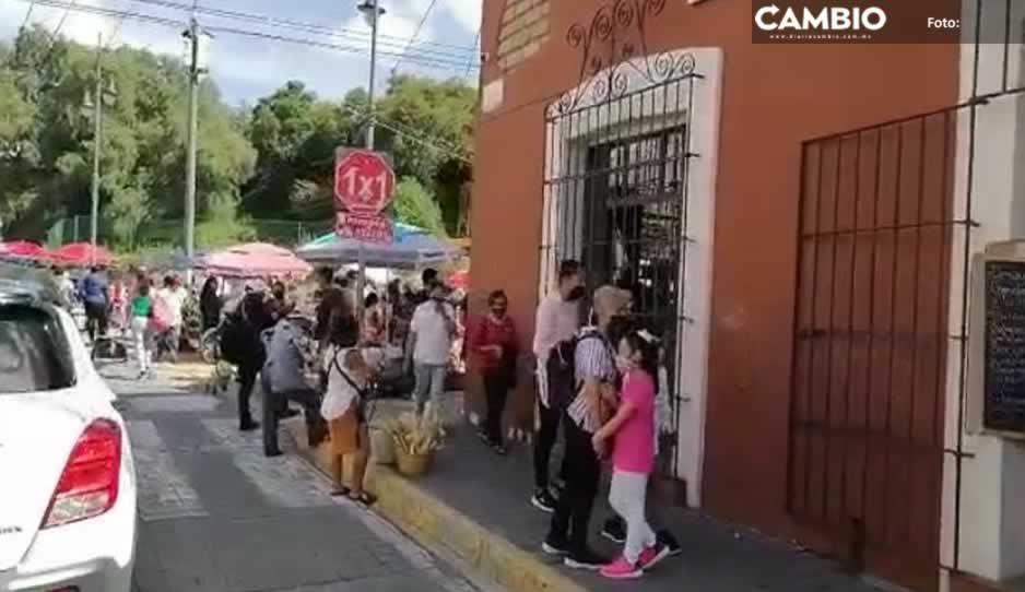 Pese al COVID, decenas de familias visitan Cholula y se olvidan de la sana distancia (VIDEO)