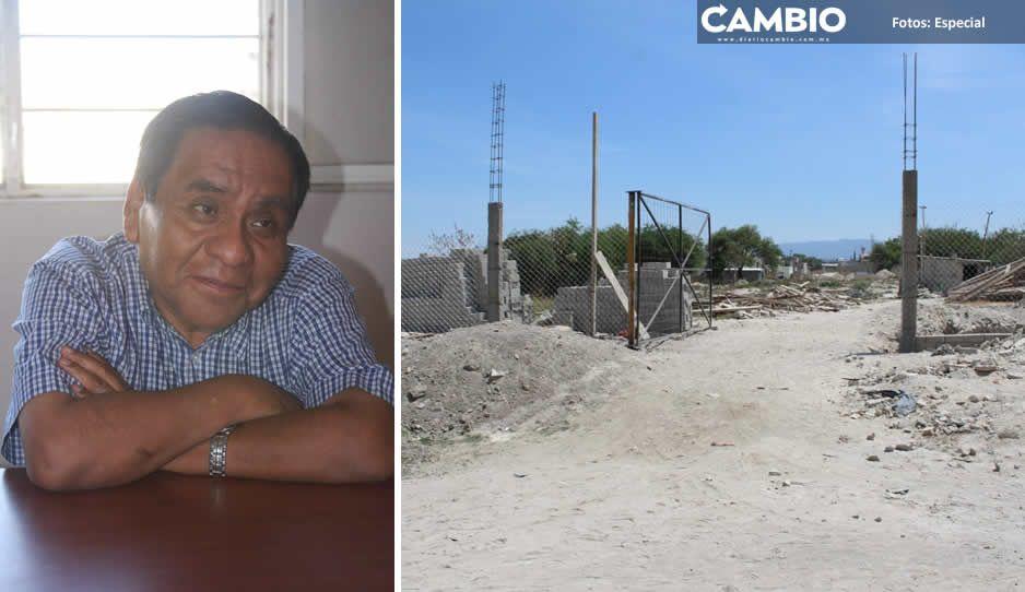 'El Mostro' gandalla: Se apropia de calles para construir su nueva abarrotera