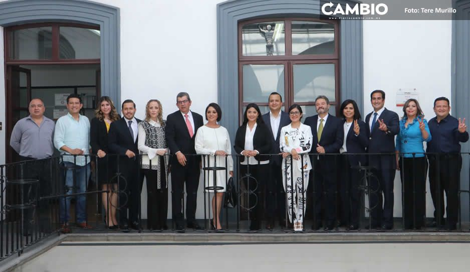 Regidores del PRIAN visitan sus próximas oficinas ante la mirada fúnebre de Morena (FOTOS Y VIDEO)