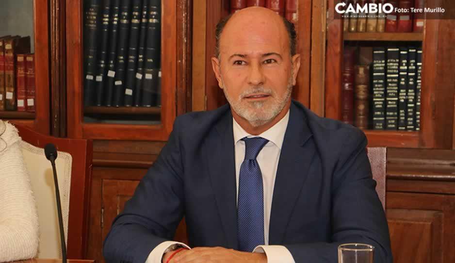Vincularán a proceso a El Capi Ruiz Esparza por tráfico de influencias al obtener título patito