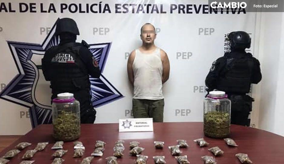 Lo cacharan echando trago; el dealer Víctor fue captura con droga en Atlixco