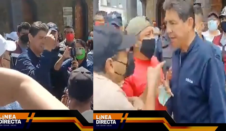 VIDEO: Edil de Juan Galindo se pone lépero y encara a pobladores ante reclamo de recolección de basura