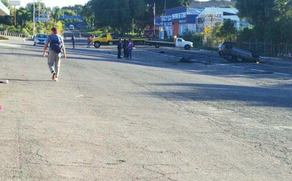 Mueren motociclista y acompañante tras chocar vs auto en Atlixco