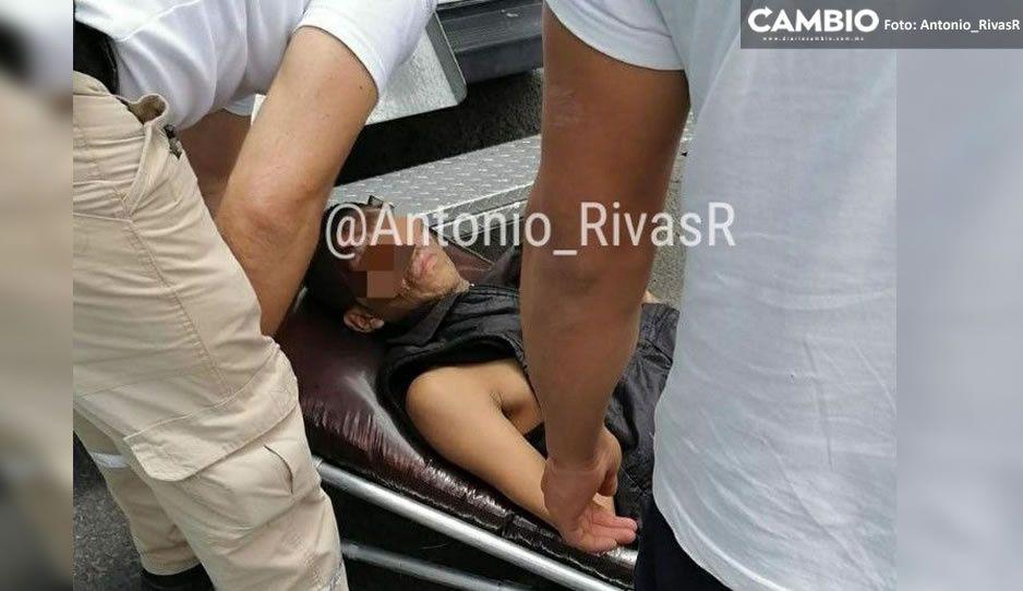Tragafuegos del Mercado Hidalgo sufre falta accidente en espectáculo callejero