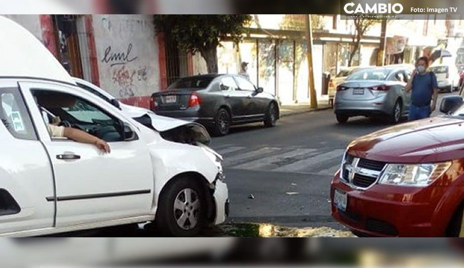 Aparatoso choque deja tres lesionados en 3 Sur y 15 Poniente