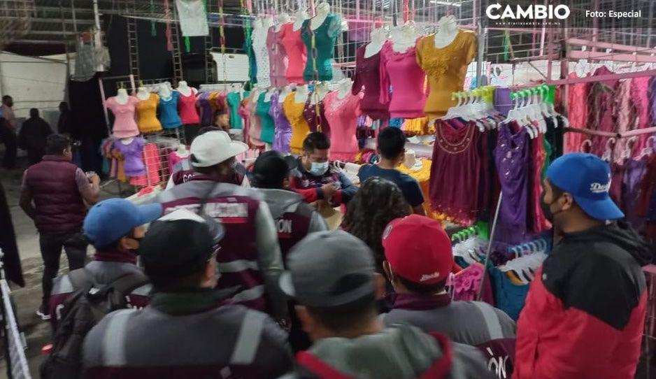 Ayuntamiento realiza operativo para verificar cumplimiento de horarios en Tianguis de Texmelucan