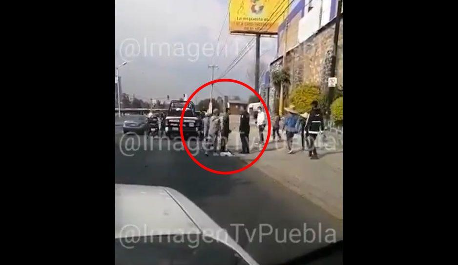 Policía Municipal detiene a dos limpiaparabrisas malandros de Cumulo de Virgo (VIDEO)