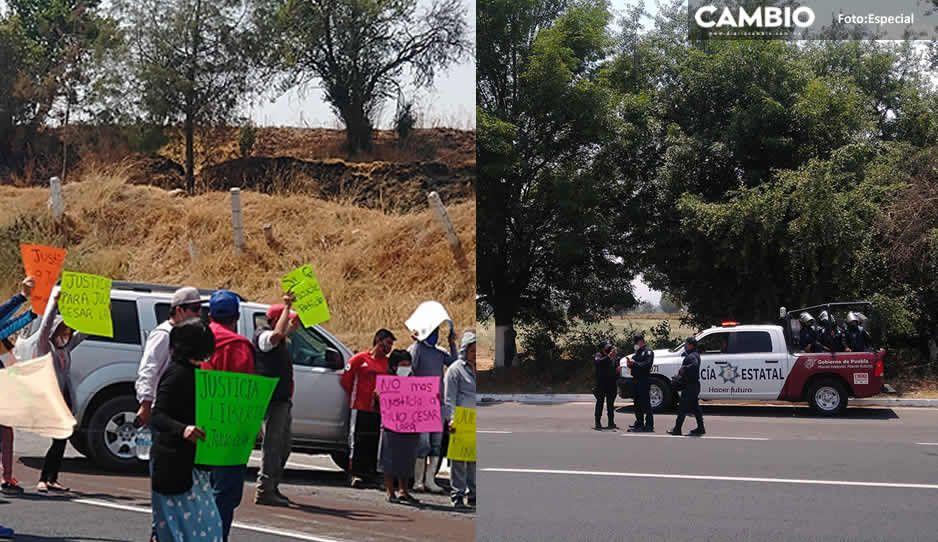 3 horas lleva cerrada la México-Puebla; exigen liberar al joven que le 'sembraron' droga en Tepatlaxco (VIDEO)