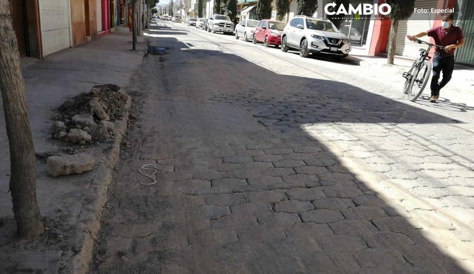 Jaime Barbosa ordena al Oosapat llenar de hoyos Tehuacán y los abandona para irse a preparar su campaña (FOTOS)