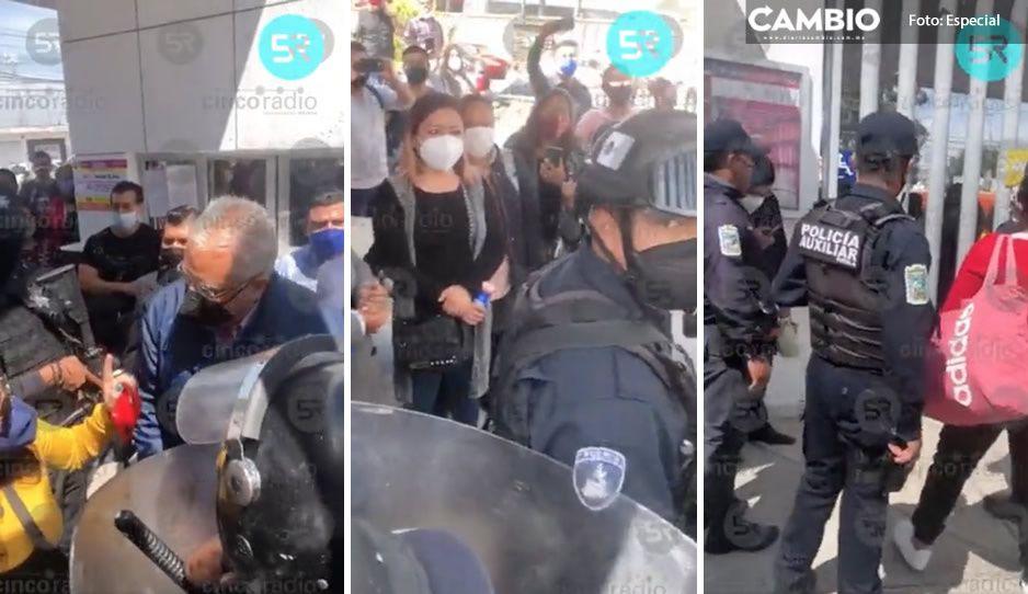 Maestros de Tecamachalco toman la SEP de Puebla; exigen destituir al supervisor de su zona (VIDEO)