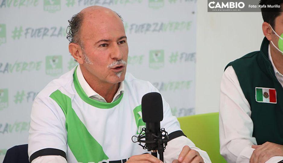 'El Capi' Ruiz Esparza defiende legalidad de su título profesional; rechaza delito