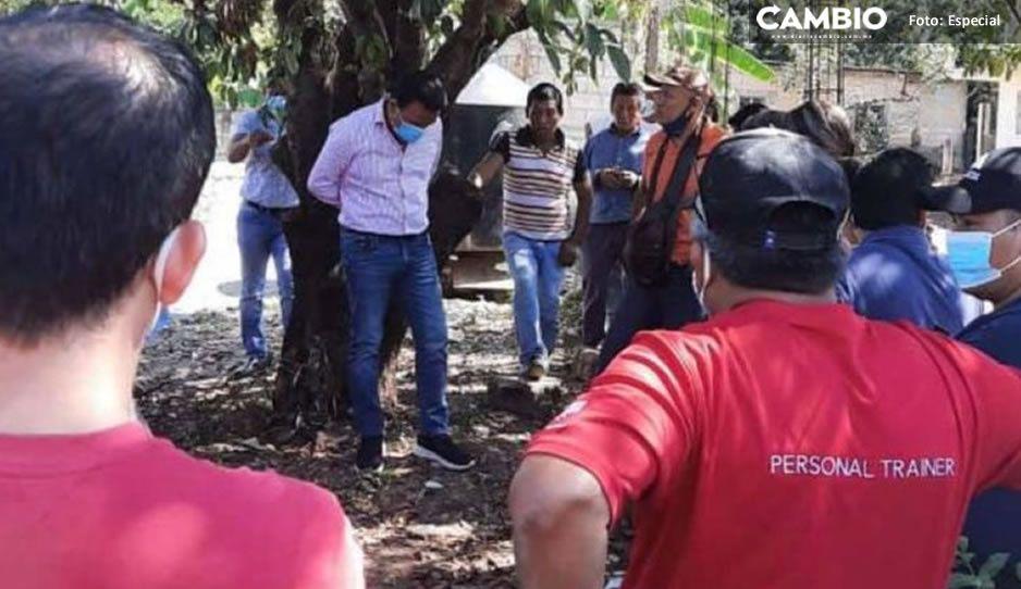 Pobladores amarran a alcalde de comunidad chiapaneca por entregar obra malhecha (VIDEO)