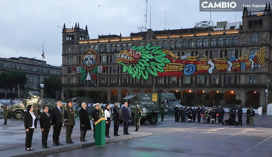 AMLO recuerda a víctimas de sismos del 19 de septiembre; iza bandera a media asta