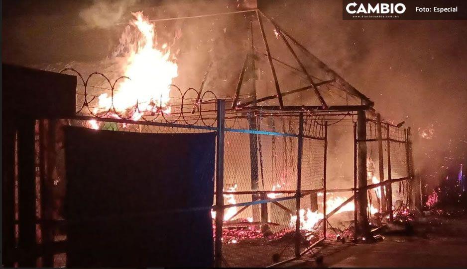 Incendian bar en Atlixco; sospechan de grupos criminales de la zona