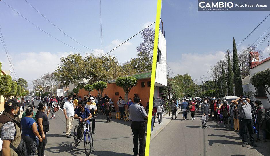 Tehuacán se desborda de abuelitos en las calles que buscan turno para vacunarse (FOTOS y VIDEO)