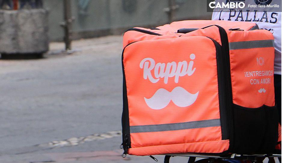 Iba hecho la mocha y rebasando: motociclista de Rappi choca vs camioneta en bulevar 5 de mayo