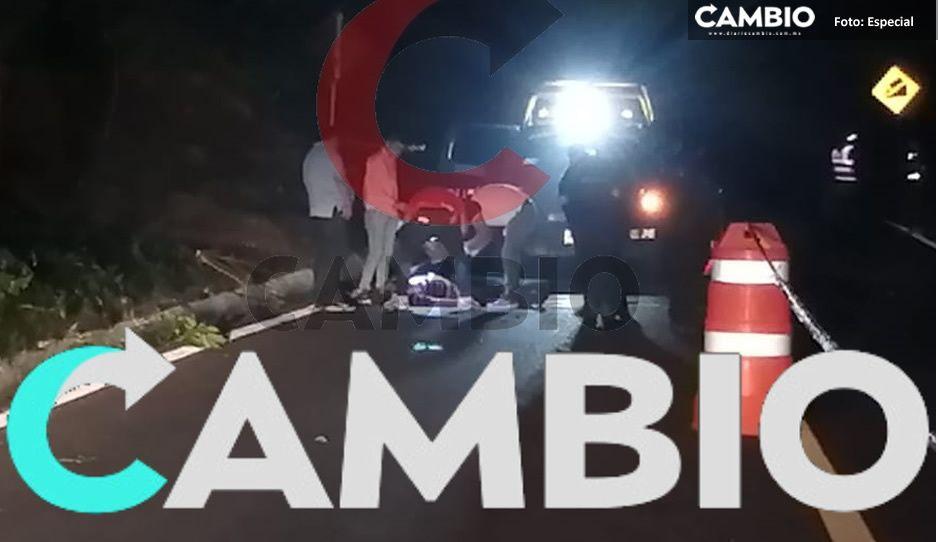 Encuentran cadáver de albañil ensangrentado sobre carretera federal Pachuca-Tuxpan