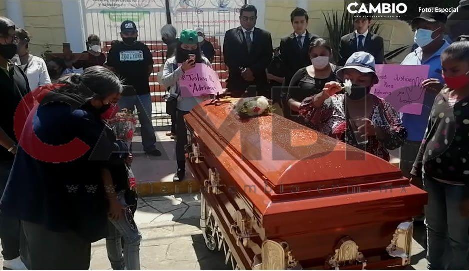 Entre lágrimas despiden a Adriana, quien fue desmembrada y degollada en Xicotepec (FOTOS)