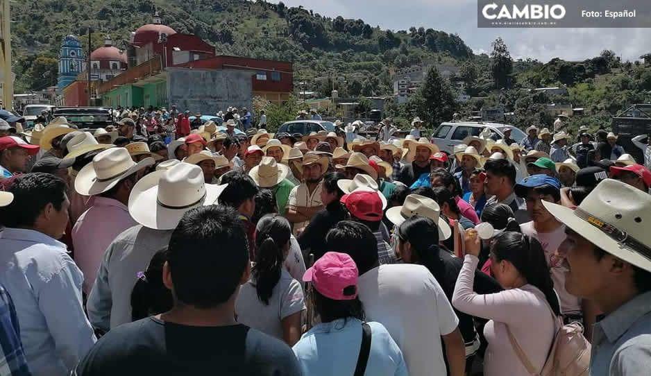 Detienen a 3 líderes de Coyomeapan: iban a dialogar con autoridades estatales