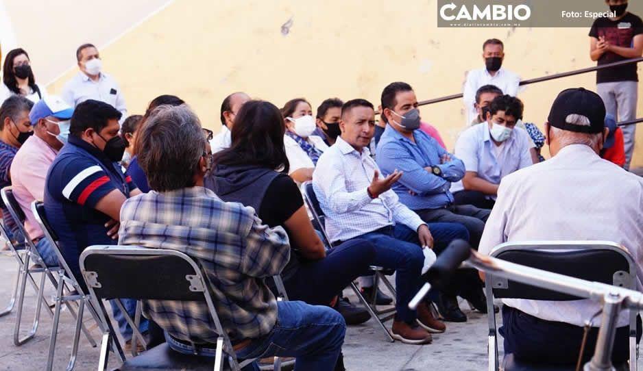 Edmundo Tlatehui se compromete a clausurar pozos clandestinos en San Andrés Cholula