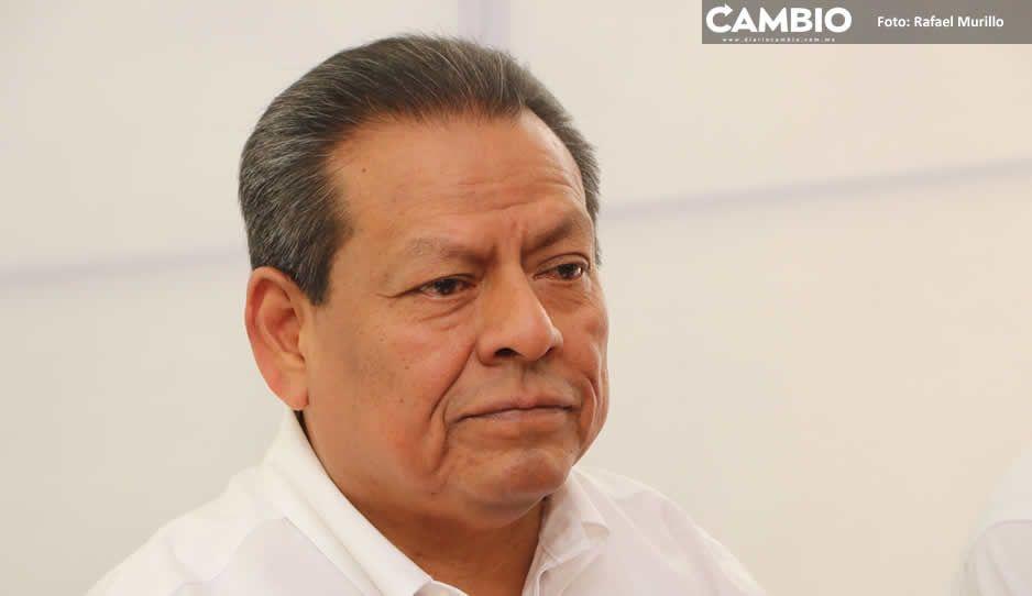 Navarro desconoce si suplente asumirá la alcaldía de Quecholac ante detención de hermano del Toñín