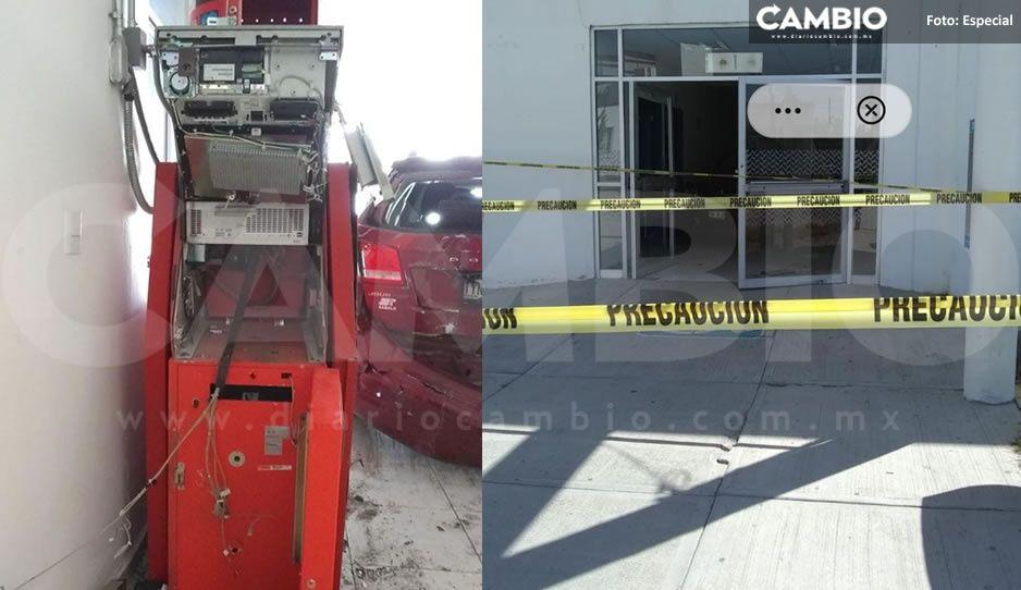 Comando armado arranca cajero automático del Hospital Integral de Acatzingo (FOTOS)
