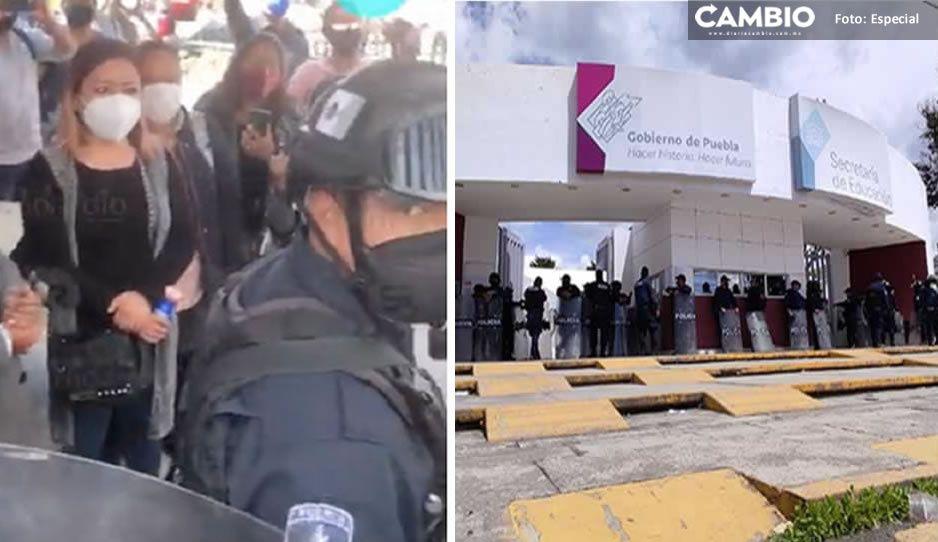 SSP libera a los dos maestros de Tecamachalco; fueron detenidos por tomar la SEP de Puebla
