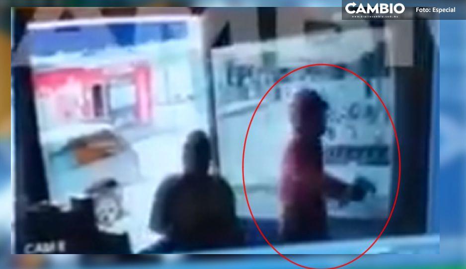 VIDEO: Captan momento exacto en que sicario ejecuta a comerciante en Tochtepec