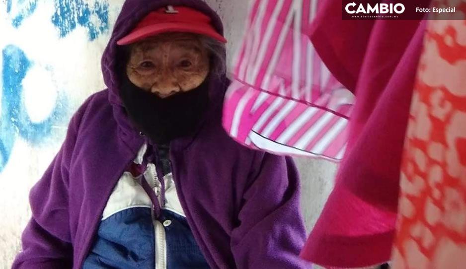 ¡Ayuda a Doña Amparo! La abuelita que vende ropa vieja para sobrevivir