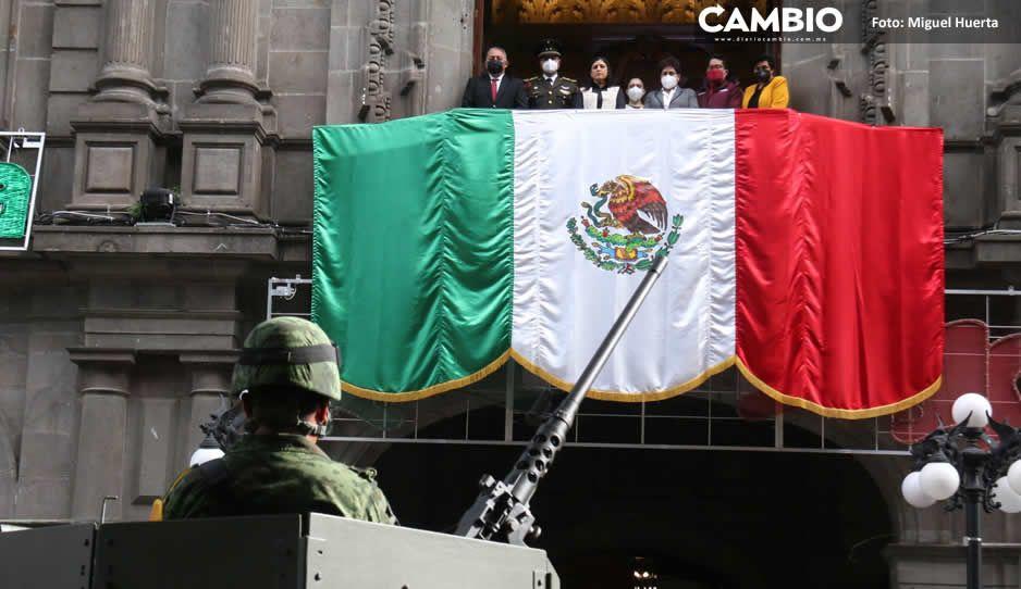 Encabeza Claudia Rivera desfile de fiestas patrias… de sólo 10 minutos (FOTOS Y VIDEOS)